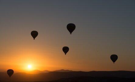 A quelle hauteur vole une montgolfière ?
