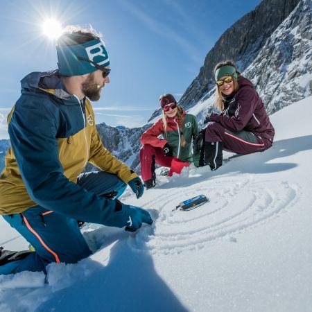 Apprendre à se servir de son matériel de secours en avalanche : DVA, pelle et sonde