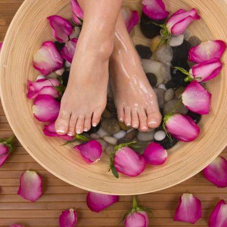 Beauté des pieds et pose de vernis simple