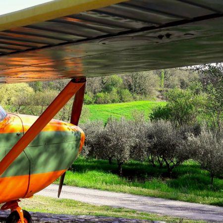 Une nuit pour 4/5 personnes dans un avion Cessna et sa tour de contrôle