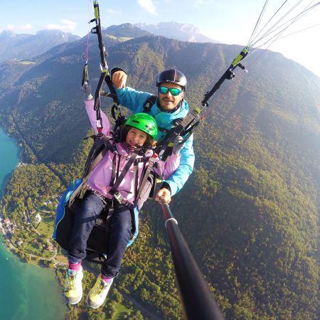 Parapente au dessus du lac d'Annecy  - vol Aiglon -