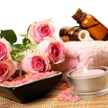 Massage sensoriel au monoï ou à la rose