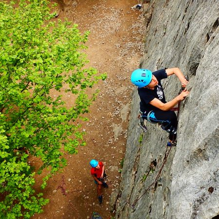 Cours Initiation Escalade en Falaise