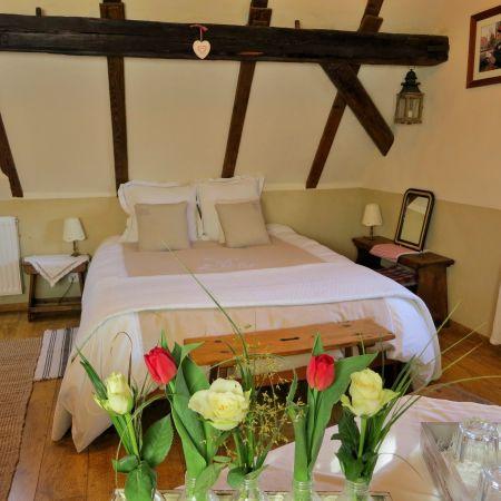 Séjour romantique chambre côté Rivière