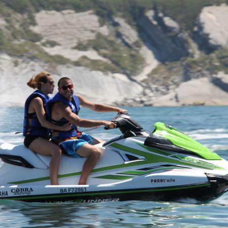 Randonnée jet ski d'une heure sans permis bateau (1 ou 2 personnes par machine)