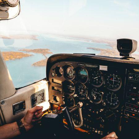 Survolez la Côte d'Azur en avion privé