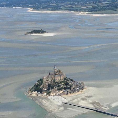 Vol touristique privé vers Le Mont-Saint-Michel et Caen