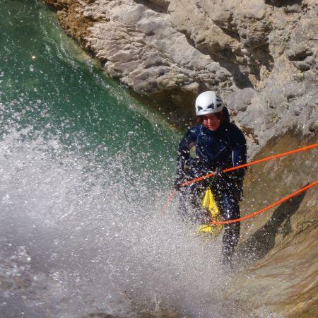 Fraîcheur et adrénaline dans les canyons de Savoie