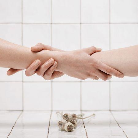 Beauté des mains + Pose de vernis semi-permanent