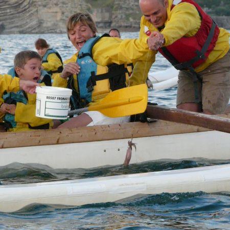 Soirée et initiation pêche aux chipirons en pirogue à St Jean de Luz. Enfant.