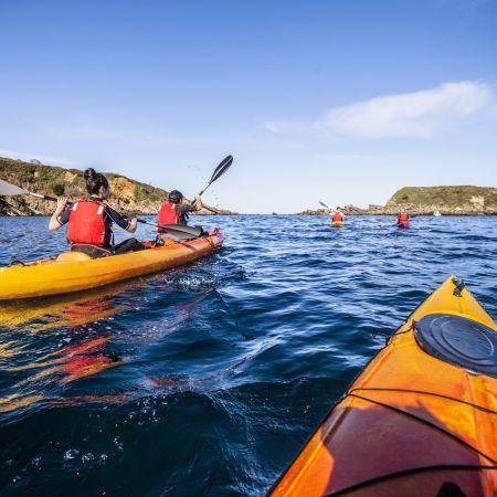 """Randonnée Journée dans les """" calanques """" Basques en kayak ou en paddle. Enfant."""