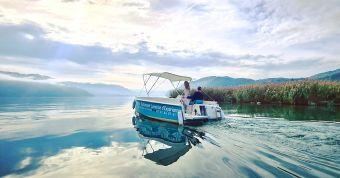 Nuitée avec vue canal et Petite Evasion en bateau électrique sans permis image 5