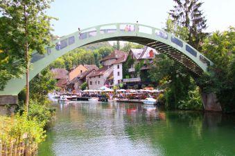 Nuitée Romantique à Chanaz avec Vue sur le Canal de Savières image 2