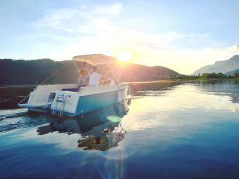 Nuitée avec vue canal et Petite Evasion en bateau électrique sans permis image 8