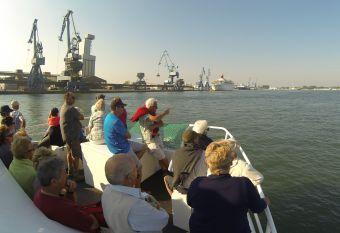 Croisière commentée sur la rade de Lorient, ville aux 5 ports image 1