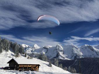 Parapente vol hiver à Courchevel image 1