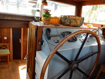 Embarquez pour une nuitée à bord du Bateau FRIPONNE.... image 1