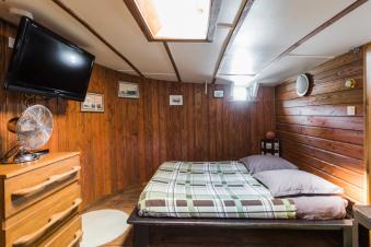 Embarquez pour une nuitée à bord du Bateau FRIPONNE.... image 7