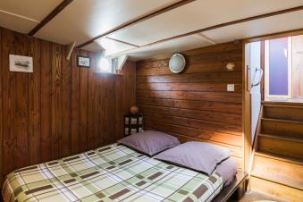 Embarquez pour une nuitée à bord du Bateau FRIPONNE.... image 6