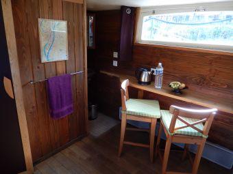 Embarquez pour une nuitée à bord du Bateau FRIPONNE.... image 2