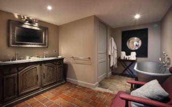 Nuit en chambre Prestige, champagne, surprise romantique, petit déjeuner et dîner pour 2 image 4