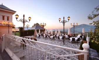 Nuit en chambre Prestige, champagne, surprise romantique, petit déjeuner et dîner pour 2 image 1