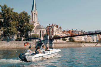Une journée de bateau sans permis 10 places image 1