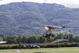 Première leçon de pilotage, une expérience unique en autogire ou en ULM pendulaire face aux Alpes et au Mont Blanc image 7