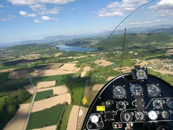 Première leçon de pilotage, une expérience unique en autogire ou en ULM pendulaire face aux Alpes et au Mont Blanc image 2