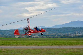 Première leçon de pilotage, une expérience unique en autogire ou en ULM pendulaire face aux Alpes et au Mont Blanc image 5