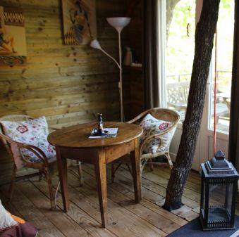 Séjour dans une cabane perchée dans les arbres image 2