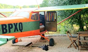 Une nuit en amoureux dans un avion Cessna et sa tour de contrôle image 8