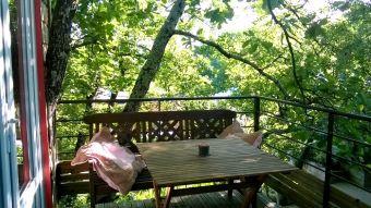 Séjour dans une cabane perchée dans les arbres image 3