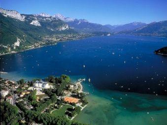 Promenade en avion : Lac d'aix-les-bains / Lac d'Annecy / Mageriaz image 1