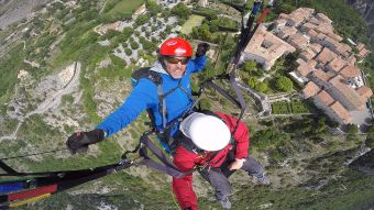 "Vol biplace ""PERFORMANCE"" en PARAPENTE sur le site de Gourdon. image 2"