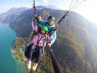 Parapente au dessus du lac d'Annecy  - vol Aiglon - image 1