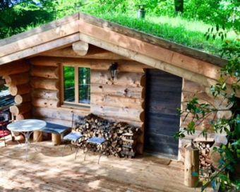 """Nuit dans une cabane en rondins type canadien """"Les 13 arbres"""" avec SPA capacité de 4 personnes image 1"""