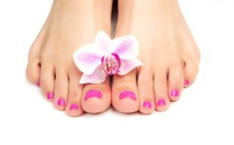 Beauté des pieds avec vernis (35min) image 2