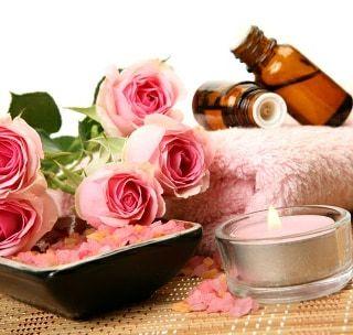 Massage sensoriel au monoï ou à la rose image 1