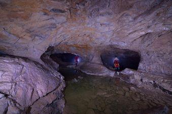 Spéléologie Découverte des Grottes de la Diau image 2