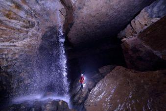 Spéléologie Découverte des Grottes de la Diau image 1