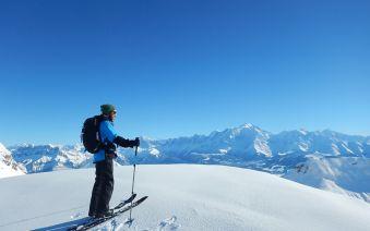Ski de randonnée dans les Aravis image 1
