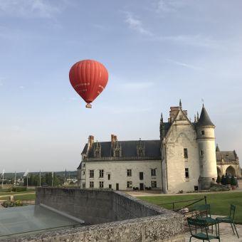 Vol en montgolfière en Val de Loire - Billets VIP 2 personnes image 1