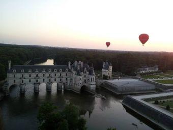 Vol en montgolfière en Val de Loire - Billets VIP 2 personnes image 3