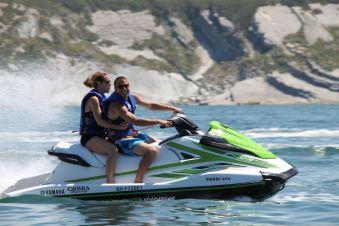 Randonnée jet ski d'une heure sans permis bateau (1 ou 2 personnes par machine) image 1