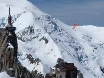 Vol parapente 3848 m sommet de l'Aiguille du Midi image 3