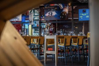1 session de simulateur auto & 1 menu Speedway image 1