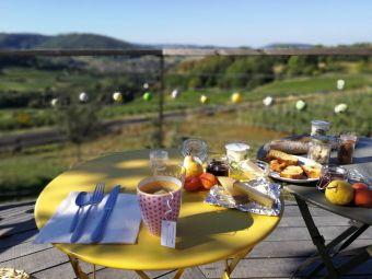 Séjour insolite en Cabane Perchée chez un paysan vigneron dans le vignoble de Château Chalon image 3