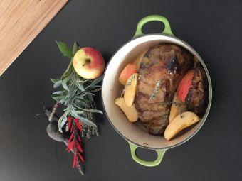 Séjour gourmand et insolite en Cabane Perchée pour 2 personnes au coeur du vignoble de Château-chalon image 4