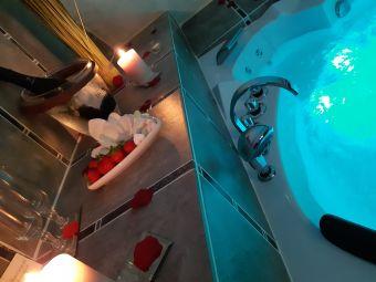 Nuit Romantique avec Spa Jacuzzi image 4